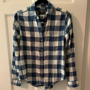 NWOT Abercrombie & Fitch Flannel Shirt, size Small
